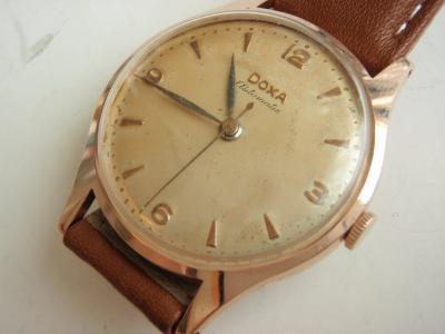 4195bdef4 HODINY A HODINKY   Nádherné zlaté náramkové hodinky DOXA automatic ...
